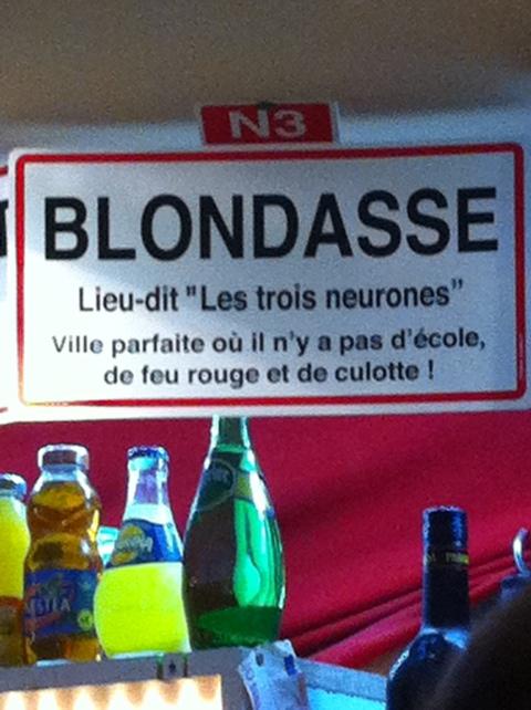 panneau humour de blondasse